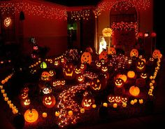 Decoration, Wonderful Halloween Decorations With These Budget And Spooktacular Halloween Decor Also Scary Outdoor Halloween Decorations With Halloween Decoration Crossword And Outdoor Halloween Decorations Houzz: Extraordinary Vintage Halloween Decorating Ideas Inspired by the Early 1900's