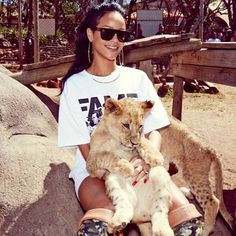 THIS IS Rihanna'S AT THE ZOO!