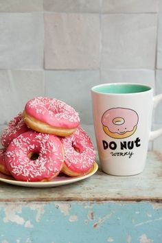 hehe I want the cup and the donuts. I'm cravin' some donuts right now. Cake Pops, Doughnut, Love Food, Great Recipes, Cravings, Sweet Tooth, Food Photography, Muffins, Sweet Treats