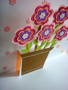 Lin Handmade Greetings Card: Pop up flowers in a pot
