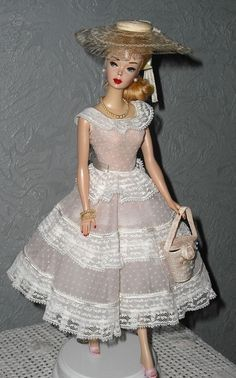 Barbie in Plantation Belle- vintage barbie is the theme for my dear friend London's baby room Barbie I, Barbie World, Barbie Dress, Barbie Outfits, Doll Dresses, Barbie House, Vintage Barbie Clothes, Vintage Dolls, Doll Clothes