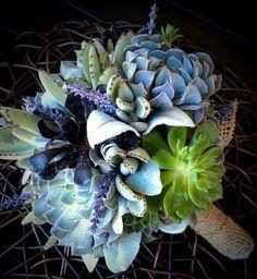 Immagine di http://image.nanopress.it/donna/fotogallery/625X0/220471/bouquet-invernale-con-piante-grasse.jpg.