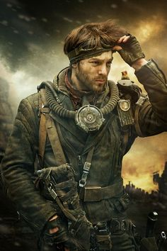 Adrian, capo dei pirati del cielo e luogotenente di Costantine.