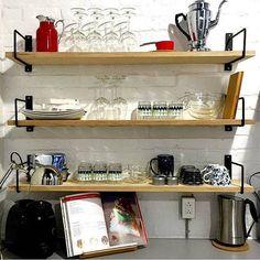 Classic Minimalist Shelf Brackets Pair / Équerres à by MDTMobilier