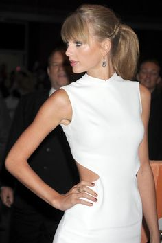 Taylor Swift dress - 'One Chance' Premiere Toronto International Film Festival (3)