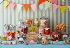 Like the idea of having a candy bar. Kids can fill a bag to take home as their goody bags.
