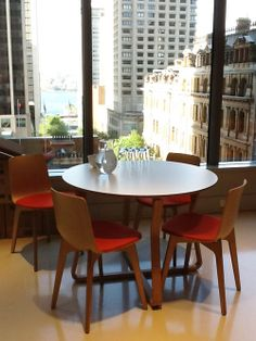 Royal Commission Court, Sydney. ENEA has equiped several rooms of the Royal Commisision with 2D wood benches with and without tablet, as well as an office for judges with Lottus 3D wood chairs with upholstered seat in red.