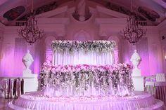 Национальная свадьба. Оформление цветочного президиума на азербайджанской свадьбе. Chandelier, Ceiling Lights, Wedding, Home Decor, Mariage, Homemade Home Decor, Candelabra, Chandeliers, Ceiling Lamps