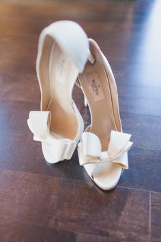 30 Timeless Bow Wedding Shoes Ideas- 30 Timeless Bow Hochzeit Schuhe Ideen 30 Timeless Bow Wedding Shoes Ideas White Valentino Heels With Peep Toe On Bows On The Toecaps - Valentino Wedding Shoes, Shoes Valentino, Valentino Couture, Valentino Rockstud, Stilettos, High Heels, Peep Toes, Bridal Skirts, Bridal Gowns