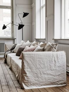 Interior Home Design Trends For 2020 - New ideas Interior Desing, Home Interior, Interior Design Inspiration, Home Decor Inspiration, Shabby Chic Interiors, Home And Living, Home Remodeling, Diy Home Decor, Living Spaces