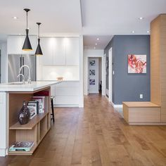 Check out these awesome lines by Kennedy Build. A lot of warm features and hues to like in this modern design. Toronto Photographers, Scene Photo, Open Concept, Hgtv, Interior Inspiration, Ontario, Hamilton, House Warming, Luxury Homes