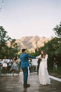 Romantic wedding photo of a Bohemian bride and groom during their wedding first dance at their outdoor reception - Wedding Songs - Photography: Jessica Wedding First Dance, Dance Floor Wedding, Wedding Music, Wedding Bells, Boho Wedding, Wedding Bride, Private Wedding, Wedding Decor, Wedding Flowers