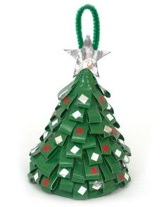 Duct the halls with this super cute Duct Tape Christmas Tree (@ duckbrand.com)
