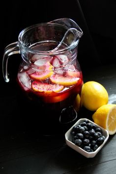 Freshly-Squeezed Blueberry Lemonade Recipe #MothersDay #Summer #recipe