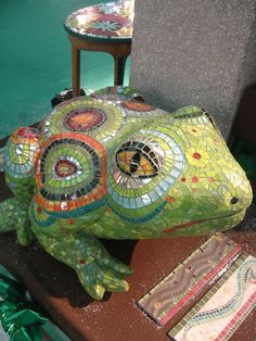bongo la grenouille by mozaiktoone, via Flickr