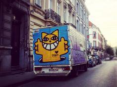 @terrain_minet_mrchat Bruxelles ville colorée #bruxelles #brussels #bruxellesmabelle #bxl #bx #bxlove #bybrussels #bruxellestagram #bruxellesjetaime #bxl_online #visitbrussels #igbrussels #belgique #belgium #welovebrussels #brusselslove #graffiti #streetart #streetstyle #urban #urbanart #sprayart#wallart #brusselsgraffiti #mrchat #mchat #camion #car