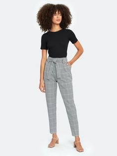 work attire professional Cute Office Outfits, Casual Work Outfits, Office Attire, Classic Outfits, Office Wear, Work Attire Women, Slacks For Women, Grey Pants Outfit, Dress Pants
