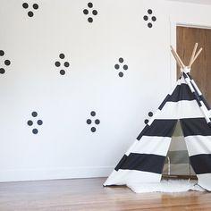 Walls by MUR mini dots in black