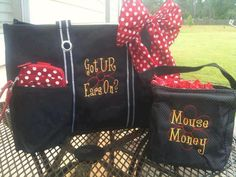 Thirty One is Disney ready! Use Icon-It to personalize your bag! Add a Varsity Scarf in red dots to complete the look!