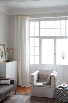 We love windows. At Barn Willow we've seen a lot of them. Here are some of our favorite dreamy windows (and window coverings! Custom Curtains, Drapes Curtains, Off White Curtains, Drapery, Living Room Inspiration, Interior Inspiration, Living Room Drapes, Living Rooms, Custom Window Treatments