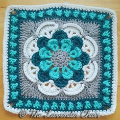 #14 cascading-daisy-mandala-square-free-crochet-pattern-the-lavender-chair-7