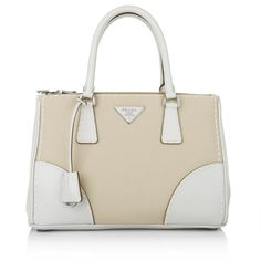Perfect business bag in beige canvas and with classy white elements: Prada Galleria Small Double Handles Rope Chalk /www.fashionette.de