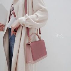 Modern Wallet, Luxury Purses, Buy Bags, Cute Purses, Gothic Lolita, Aesthetic Clothes, Purse Wallet, Luggage Bags, Purses And Handbags