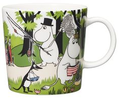 "Moomin Mugs from Arabia – A Complete Overview Going on vacation / Lähdetään lomalle (summer season mug The motif comes mainly from the story ""Moomin's Desert Island""."