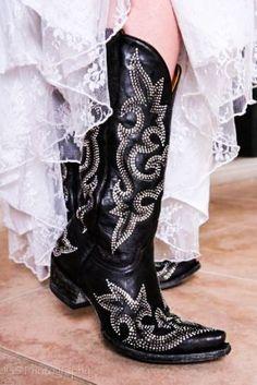 L1202-2 OLD GRINGO Black DIEGO CRYSTAL Swarovski Crystal Black Leather Boots #OldGringo #CowboyWestern #Casual