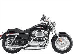 HarleyDavidson XL1200C huren bij Fris Motorverhuur Amsterdam vanaf € 60. Reserveer deze motor hier direct! Ook huur van kleding, helm en navigatie mogelijk.