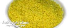 Nasi Kuning - Gekookte, gele rijst in kokosmelk - Cooked yellow rice in coconut milk