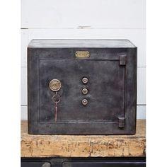 Antique Safe, Personal Safe, Vault Doors, Dream Decor, Belly Button Rings, Door Handles, Antiques, Projects, Vintage