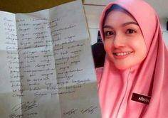 Puteri Aishah Dewi Remaja terkini (18 gambar)   Puteri Aishah adalah Finalist peserta pertandingan Dewi Remaja 2015/2016 pernah menjadi popular dan viral apabila sekeping fotonya menjadi Cikgu Aishah.Baca lagi  Gosip