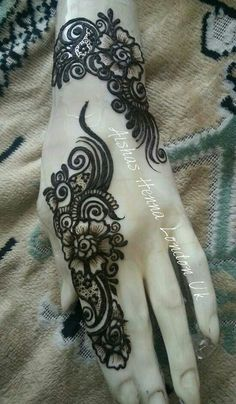 The best part about mehndi is its unique designs . Arabic mehndi designs 2016 are acquiring level of popularity among girls and women who's husbands like mehndi :) . Arabic mehndi designs 2016 are different from Pakistani designs. Arabic Henna Designs, Simple Mehndi Designs, Henna Tattoo Designs, Mehandi Designs, Tattoo Ideas, Henna Tatoos, Henna Mehndi, Indian Henna, Henna Body Art