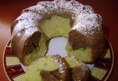 Kakaós-vaníliás kuglóf   NOSALTY Hungarian Recipes, Food N, Doughnut, Main Dishes, Muffin, Pudding, Vegetarian, Sweets, Breakfast