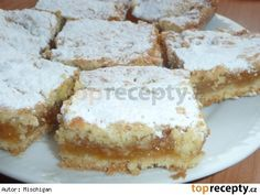 Křehký jablkový koláč Apple Dessert Recipes, Sweet Desserts, Sweet Recipes, Cake Recipes, Czech Recipes, Vanilla Cake, Yummy Treats, Sweet Tooth, Cheesecake