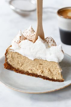 Cappuccino cheesecake in 2019 Tart Recipes, Baking Recipes, Sweet Recipes, Latte Art, Nespresso, Salty Cake, Fruit Tart, Pie Cake, Savoury Cake