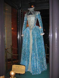 """Gwyneth Paltrow como Lady Viola  en """" Shakespeare in Love"""" 1998.Traje de teatro. 1999 - Oscar Mejor diseño de vestuario - Sandy Powell"""