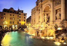 Trevi Fountain Rome, Italy (© Giovanni Simeone/SIME/4Corners Images)