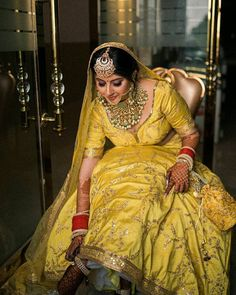 (C) Ridhimabhallabhutani | (C) Ejaazcouture | Bridal outfit ideas | Bridal lehenga | Bridal jewellery #bridallehenga #bridaljewellery #yellowlehenga #maangtikka #weddingphotography Asian Bridal Wear, Pakistani Bridal Wear, Bridal Lehenga, Lehenga Choli, Indian Bridal Photos, Indian Bridal Outfits, Indian Designer Outfits, Lehenga Collection, Bridal Collection