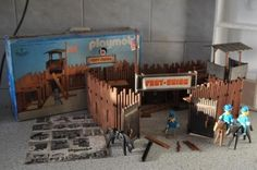 Playmobil fort