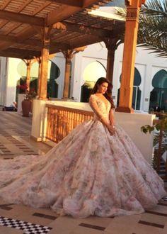 Jacqueline Ferandez on cover Masala magazine Bollywood Celebrities, Bollywood Fashion, Bollywood Actress, Cute Fashion, Asian Fashion, Celebrity Photos, Celebrity Style, Jacquline Fernandez, Indian Princess