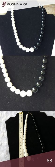 Pearls two tones Black and white for that outfit you've been wanting to wear but have no accessories for it. Jewelry Necklaces