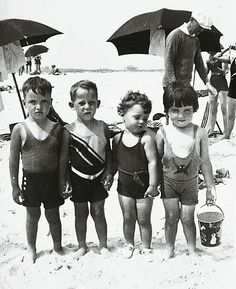 Long Island kids in the at Jones Beach. We spent many summer days at Jones Beach. Love the bathing suits! Cute Photos, Old Photos, Jones Beach, Foto Poster, Photo Vintage, Beach Kids, Beach Babies, Jolie Photo, Vintage Pictures