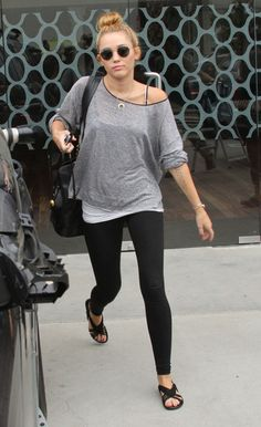 Miley Cyrus Flat Sandals - Miley Cyrus Looks - StyleBistro