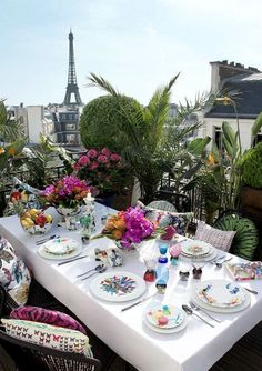 Sunday Brunch in Paris. Eiffel Tower in background.