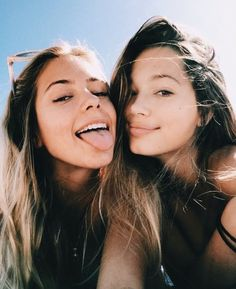 Photography Ideas: Beach Pics With Friends - Creative Maxx Ideas - Bff Pictures - Photos Bff, Best Friend Photos, Bff Pictures, Best Friend Goals, Beach Photos, Bff Pics, Travel Pictures, Friend Beach Pictures, Beach With Friends