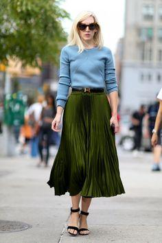 С чем носить юбку-плиссе: 15 стильных примеров 1