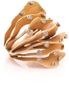 (via Pintaldi maurizio fine jewellery YELLOW GOLD - Polyvore)