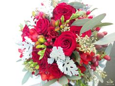 Wedding bouquet of red roses #wedding #bouquet #flowers #bukiet #ślubny #slubny #kwiaty #roses #red #czerwone #róże